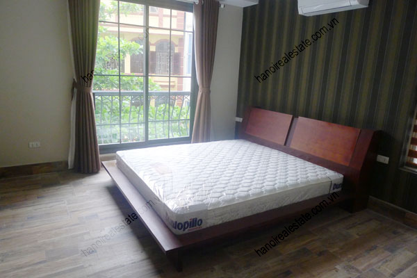 2 bedrooms, airy apartment for rent in Ba Dinh, Hanoi