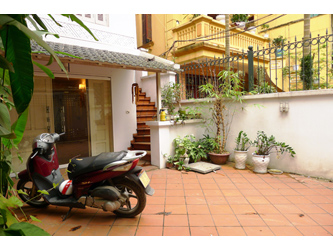 3 bedroom house with Yard in Dang Thai Mai Tay Ho Hanoi