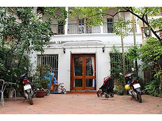 Charming Free standing houses with large Yard for rent in Dang Thai Mai
