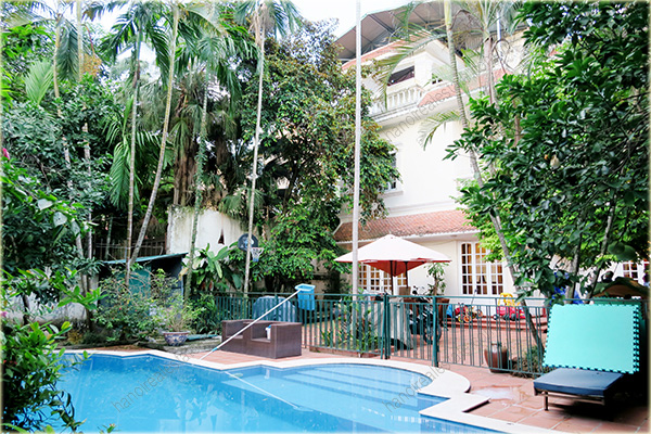 Large garden villa with outdoor swimming pool in tay ho for Big garden pools