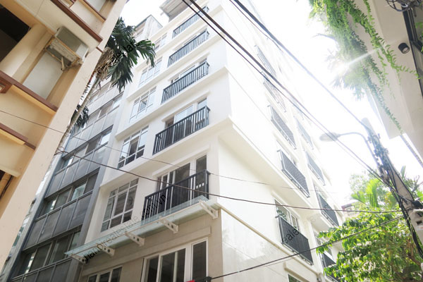 Modern and new apartment for rent in Ba Dinh district, Hanoi