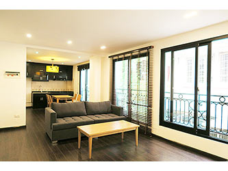 Modern, fully furnished 02BRs serviced apartment to lease at Xuan Dieu, bright and airy.