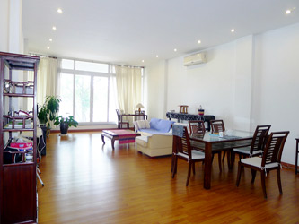 Spacious 2 bedroom apartment overlooking Truc Bach and West Lake