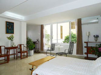 Spacious modern studio apartment for rent in Lang Ha Street Hanoi