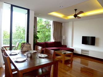 Well Furnished apartment with balcony overlooking Truc Bach and West Lake