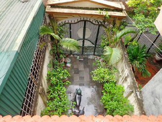 Airy, nice furnished house for rent in Nguyen Phong Sac street, Cau Giay district