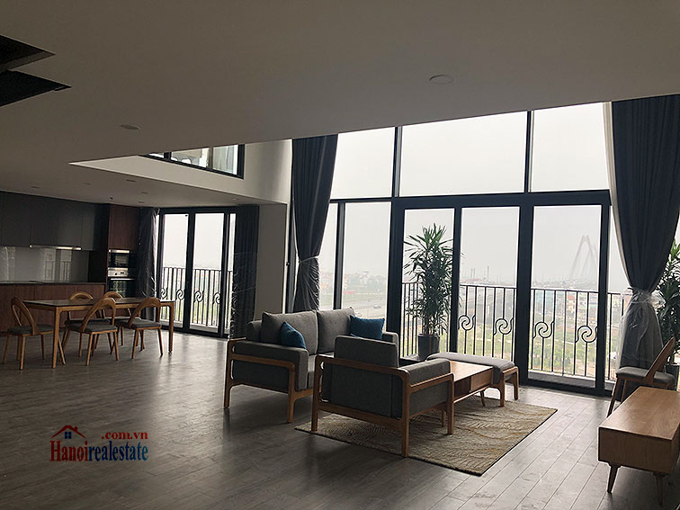 Awesome brand new 02BRs duplex apartment at PentStudio, great view 2