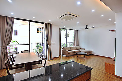 Beautiful 2 bedroom Apartment to rent on Xuan Dieu