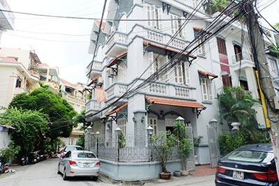 Beautiful furnished 03 bedroom house to let in Ba Dinh, Hanoi