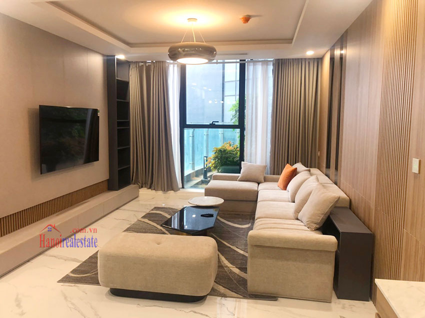 Beautiful high-class 03 bedroom apartment in Sunshine City 4