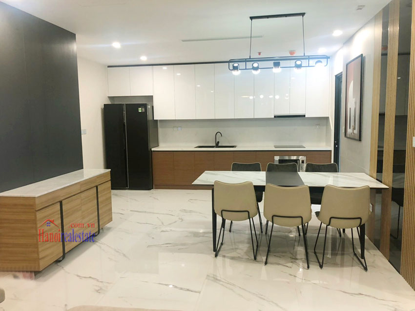 Beautiful high-class 03 bedroom apartment in Sunshine City 5