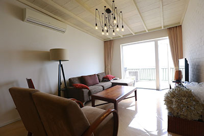 Beautiful lake view 02BRs apartment in Yen Phu Village