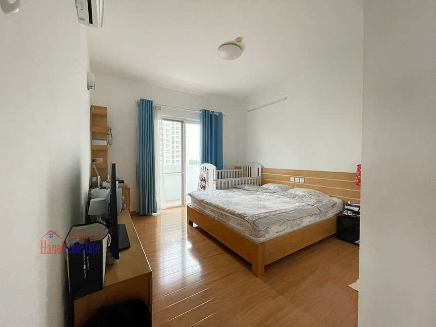 Bright and cozy, wooden floor 04BRs apartment with open view at E1 Ciputra 11