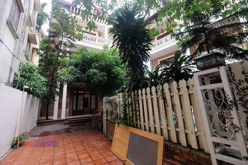 Charming Villa with large garden & outdoor pool on To Ngoc Ngoc Van to rent 1