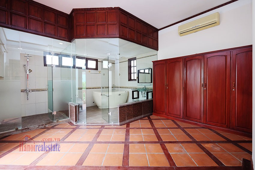 Charming Villa with large garden & outdoor pool on To Ngoc Ngoc Van to rent 16
