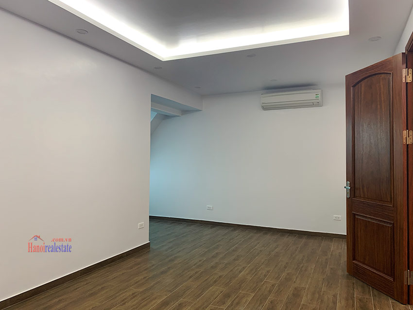 Ciputra: Brand new 04BRs house in K block Ciputra with elevator 38