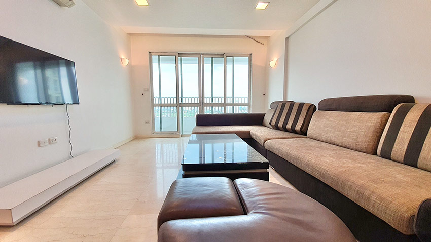Ciputra: Golf course view 04BRs apartment on high floor of P2 3