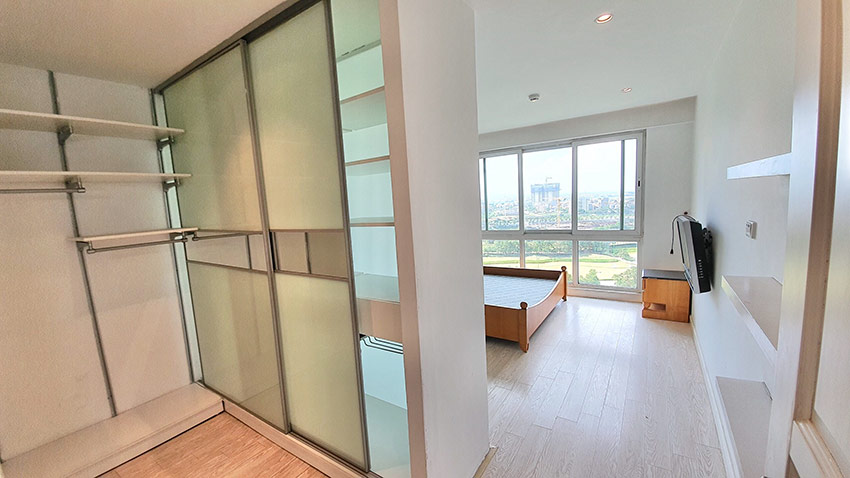 Ciputra: Golf course view 04BRs apartment on high floor of P2 9