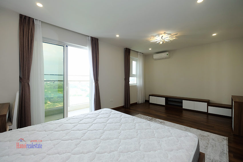 Ciputra: Stunning Golf course view 03BRs apartment on high floor of L3 Tower 13