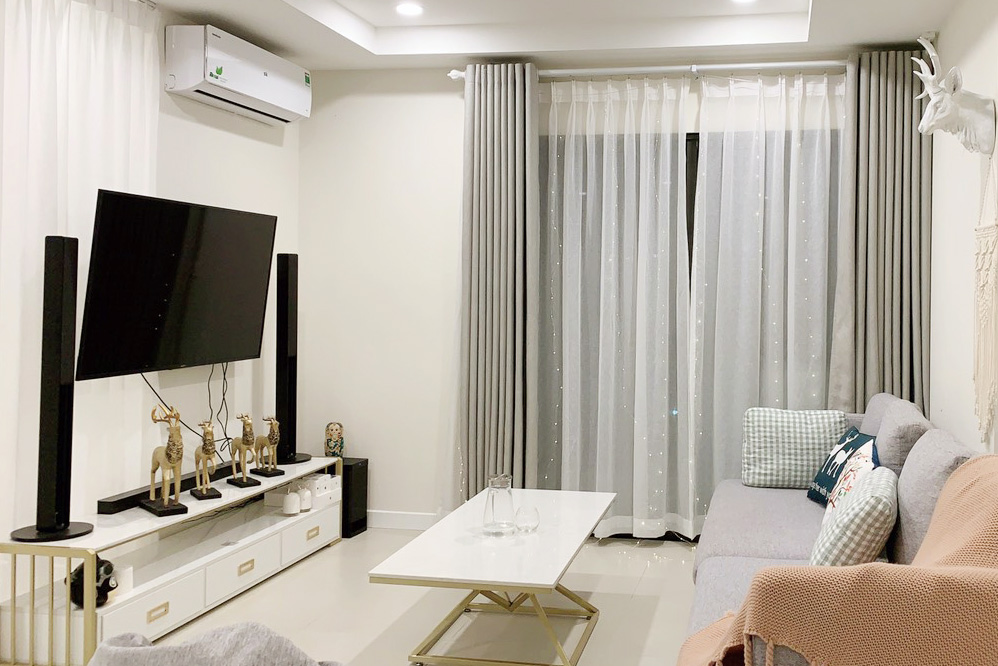 Kosmo Tay Ho: Pretty cozy furnished 02BRs apartment on high floor