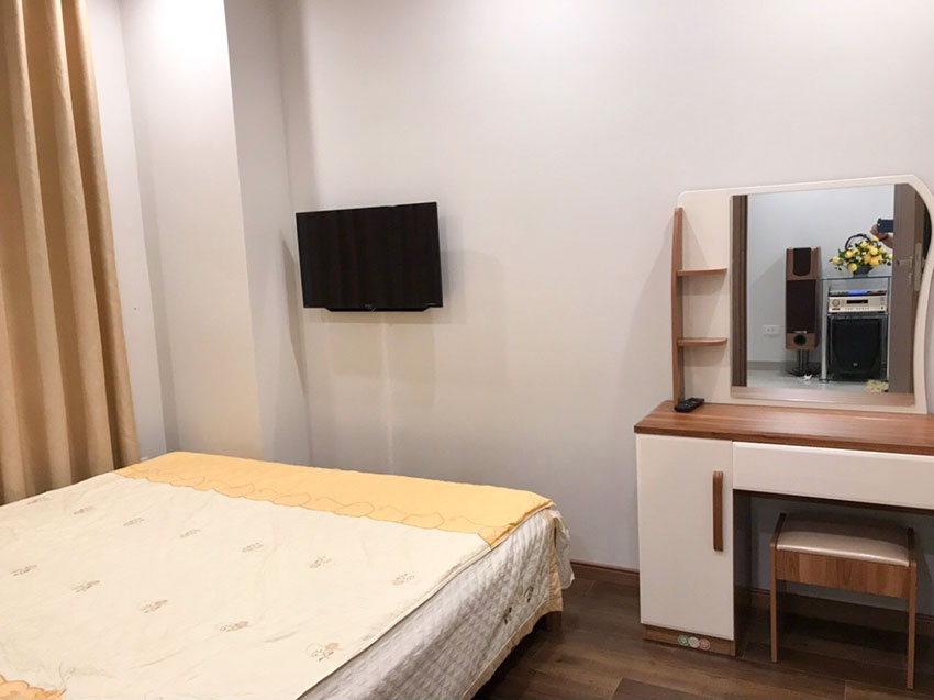 Good 02 bedroom apartment in L3 Ciputra, high floor, low price 8