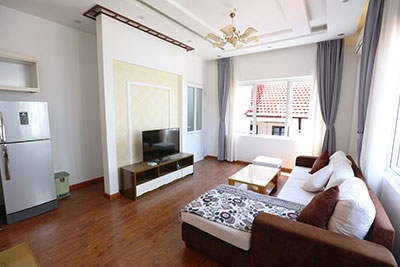 High floor, spacious 2 bedroom apartment for rent in Tu Hoa