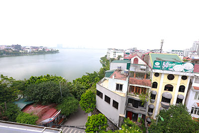 Lake front huge terrace 02BRs apartment on Xuan Dieu, brand new