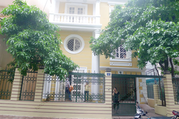 Large  garage, beautiful house for rent in Ba Dinh, Hanoi