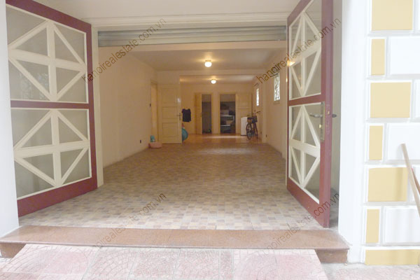 Large  garage, beautiful house for rent in Ba Dinh, Hanoi 4