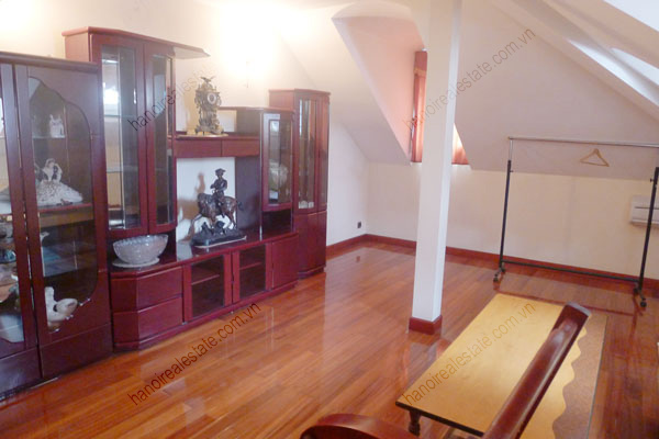 Large  garage, beautiful house for rent in Ba Dinh, Hanoi 29