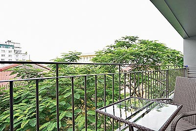 Modern 01 bedroom apartment on To Ngoc Van with very spacious balcony