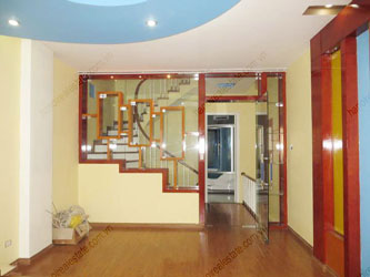Modern house , 5 bedrooms for rent in Tran Duy Hung street, Cau Giay district, Hanoi