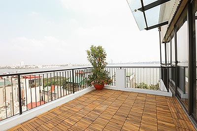 Panoramic Westlake and sky view 03+1BRs duplex apartment on Quang Khanh St