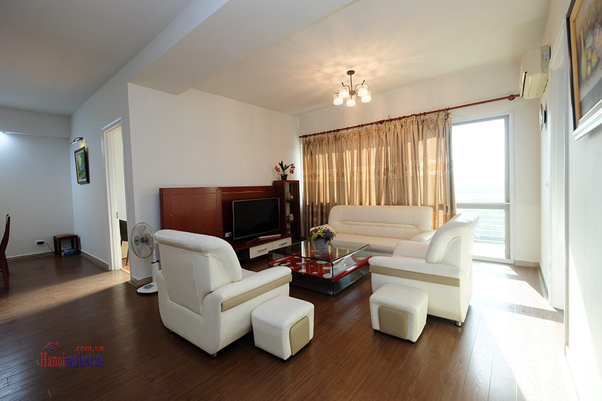 Reasonable 04BRs apartment on high floor of E4 Ciputra 9
