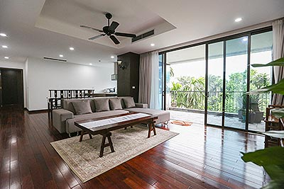 Spacious living 04BRs apartment in quiet neighborhood of Dang Thai Mai