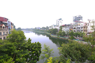 Stunning lake view 01BR apartment in Yen Phu Village