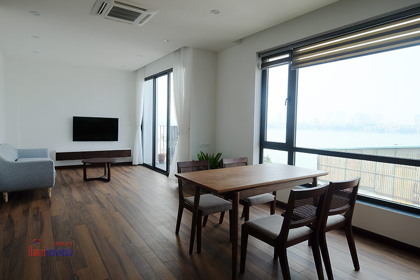 Top floor lake view 02BRs apartment on Quang Khanh 1