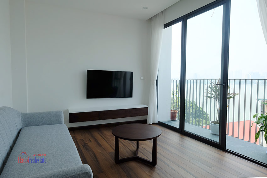 Top floor lake view 02BRs apartment on Quang Khanh 3