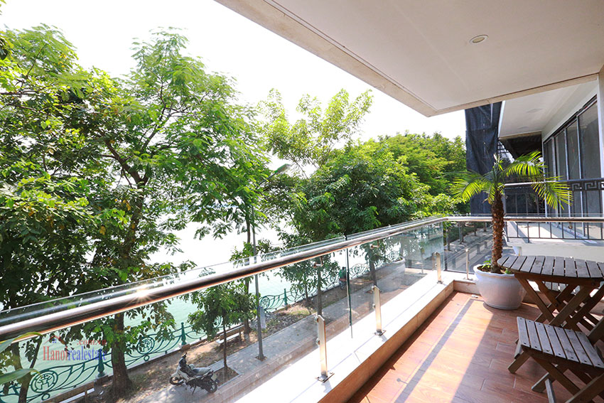 WestLake full screen 2 bedroom apartment on Nhat Chieu Street, huge balcony 4